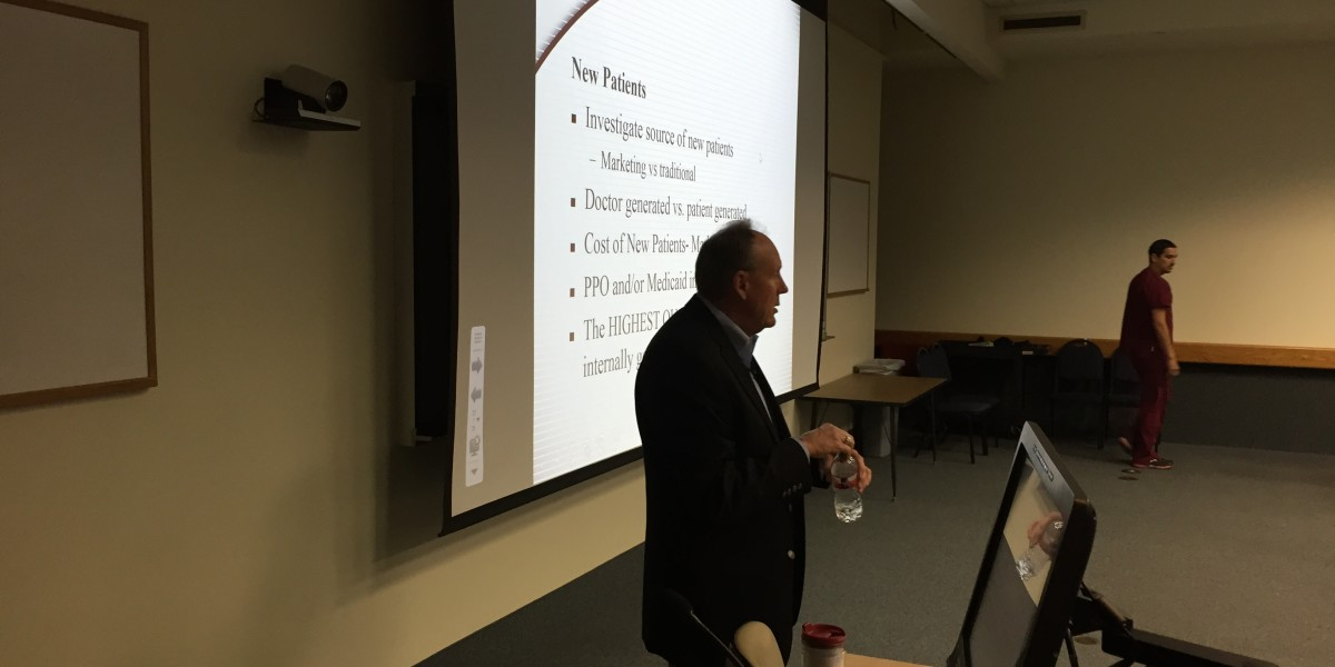Dan Lewis presenting to Baylor College of Dentistry students